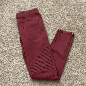 Skinny Leg Pants with Thigh and Knee Design